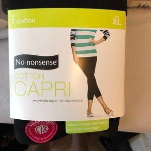 NWT Capri Leggings